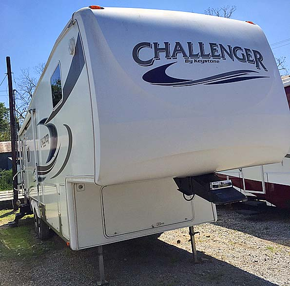Used  2006 29' Challenger CHALLENGER 29RL Fifth Wheel in New Iberia,, Louisiana