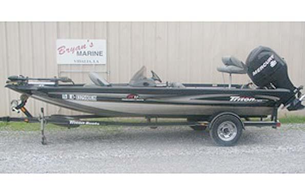 Used  2008 17' Triton TC17 TOURNAMENT CRAPPIE Bass Boat in Vidalia, Louisiana